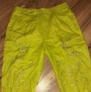 Pants - Capri Pants XL